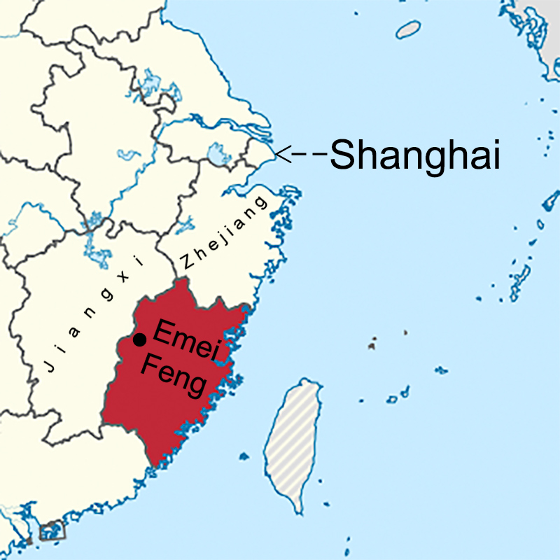 Emeifeng is in western Fujian (red), near the border with Jiangxi, 635 km (395 miles) SW of People's Square in Shanghai.
