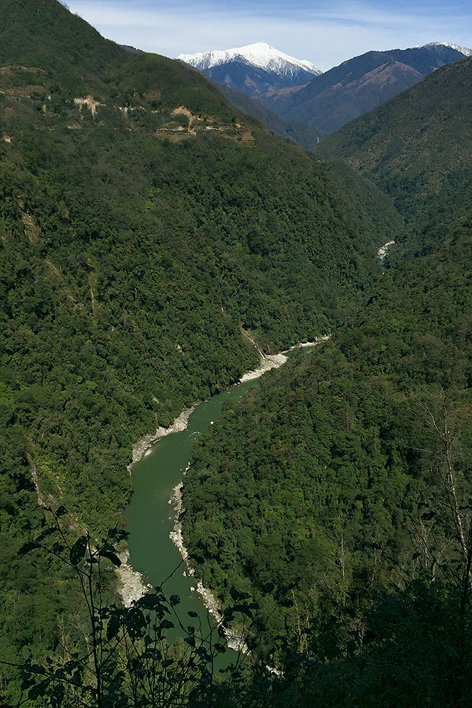 Beautiful Dulong Gorge between Maku and Qinlangdang, 27 Feb. 2016.