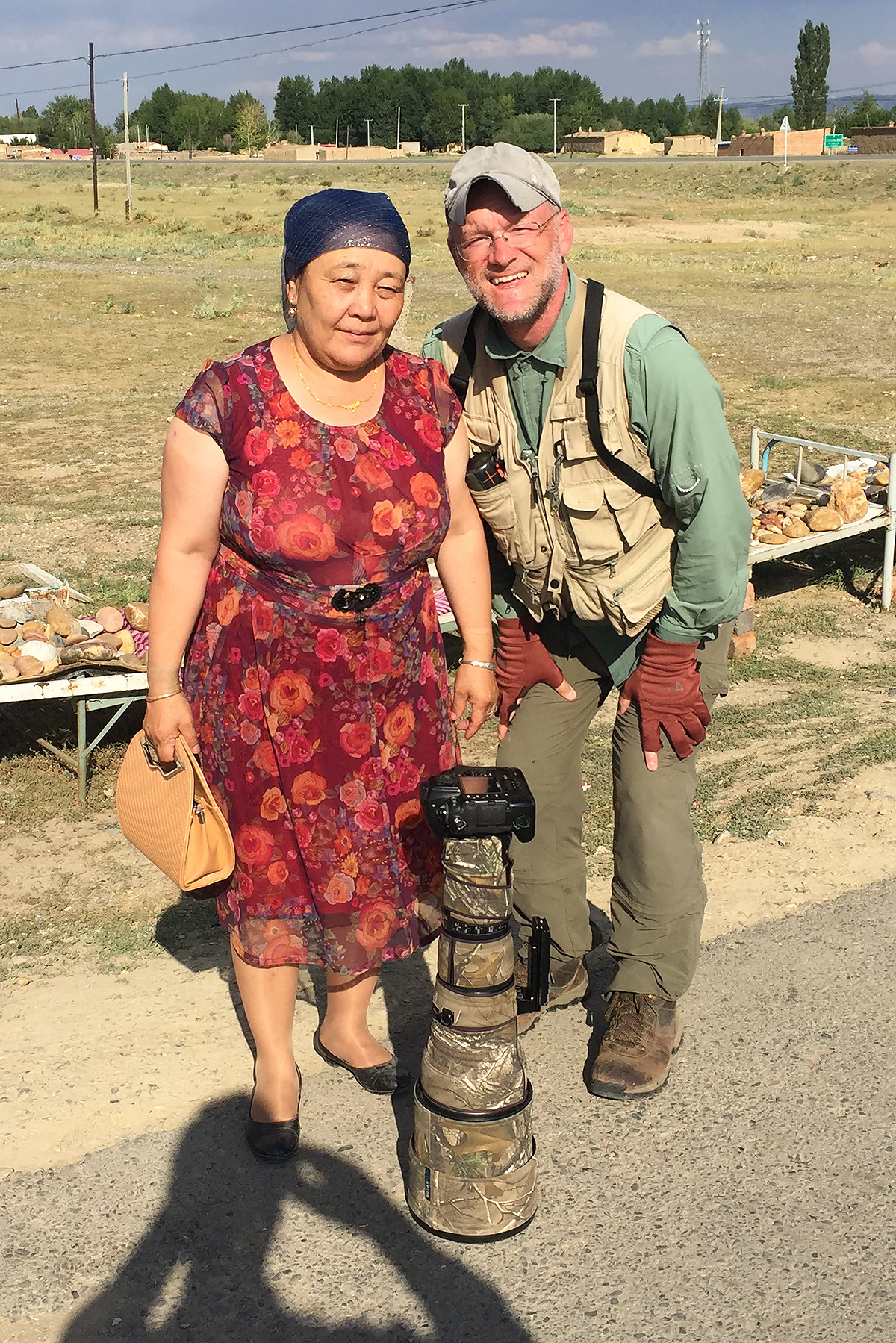 The author with local ethnic Kazakh woman. (Jan-Erik Nilsén)