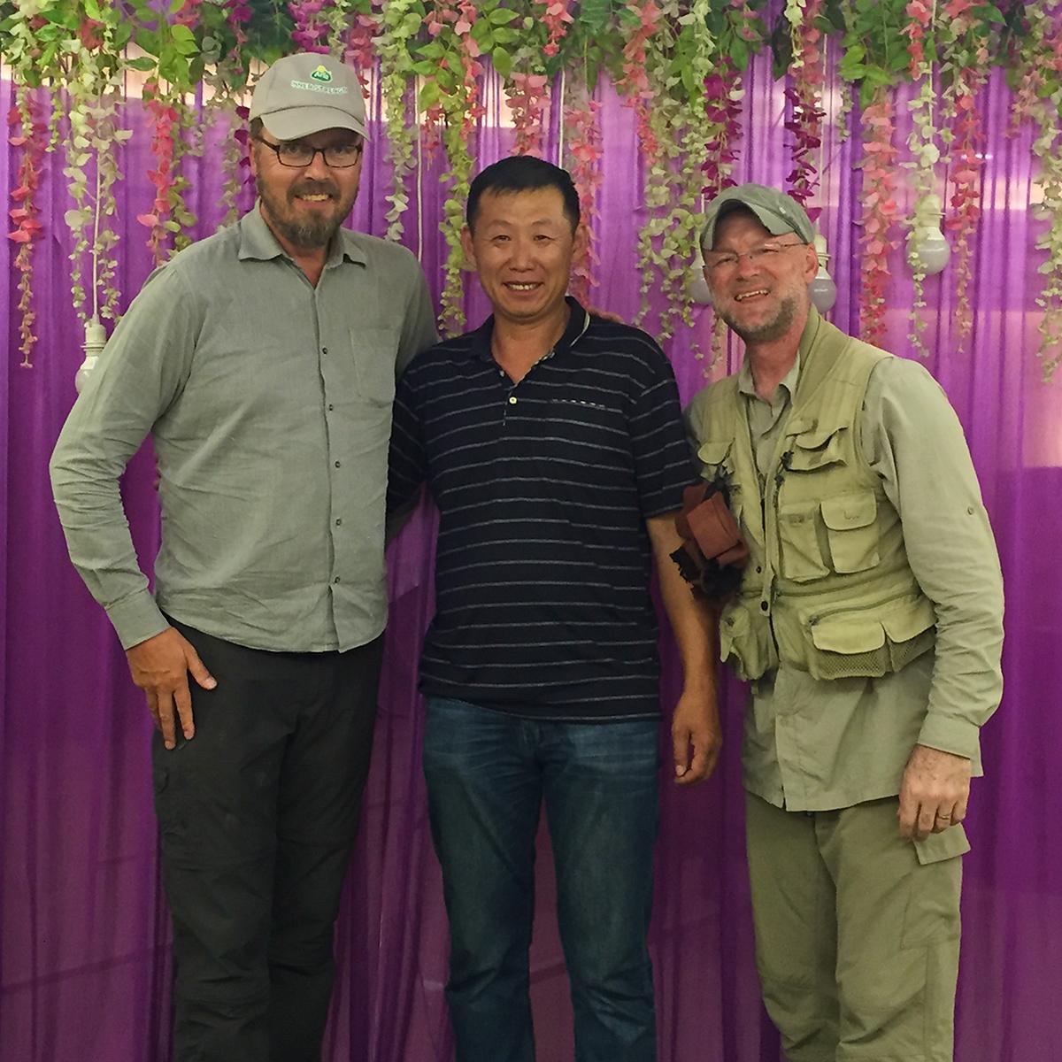 Our final moments with Sūn Yǒng Dōng (孙永东), Yili Hotel, Urumqi, 29 July 2017. (Craig Brelsford)